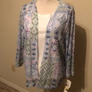 Alfred Dunner two piece blouse & shell. Medium